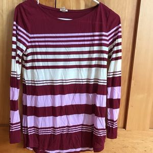 UNIQUE MAROON STRIPED ARTISTS TEE